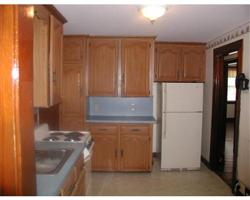782 Lynnfield kitchen